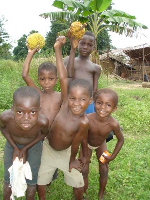 With Mondimbi Fruit at Ikengo