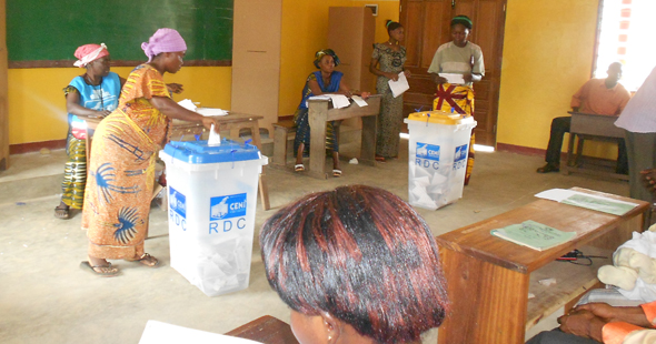 Exercising the right to vote in Kindu