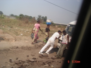 """On the """"shoulder"""" of Kinshasa's Boulevard Lumumba on the way to town from Ndjili Airport"""