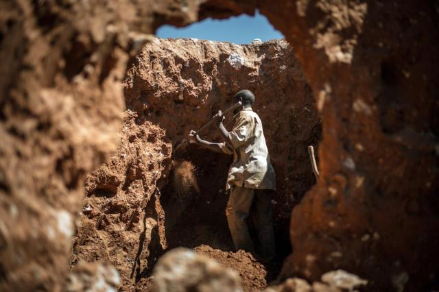 A man digs for cobalt in the Shaba Province of Congo May, 2015.  Photo by Federico Scoppa AFP/Getty Images